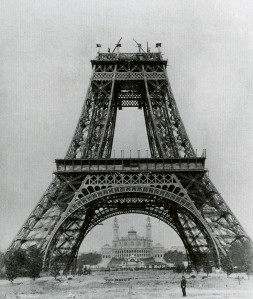 Travaux de construction de la tour Eiffel, 1888, Postcard, Musée